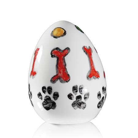 Jajko z psim motywem praca Marka Kotarby z porcelany ćmielowskiej ręcznie malowanej CJ3