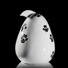 Jajko z dziobem praca Marka Kotarby z porcelany ćmielowskiej ręcznie malowanej CJ12